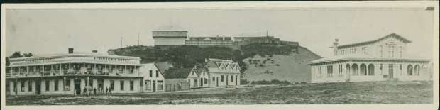 Rutland Stockade top centre, Atkinson's Hotel to left, Courthouse to right, Albion Hotel in centre; 1882-1883