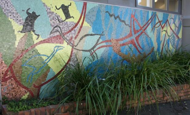 2. Mural